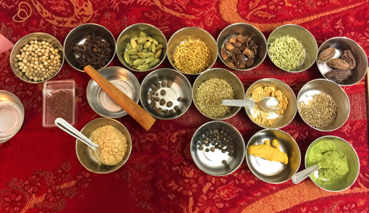 「インド!コラボセッション会御礼」&本日トナカイ最終日!これからも外国かぶれの食いしん坊な占い師で行く